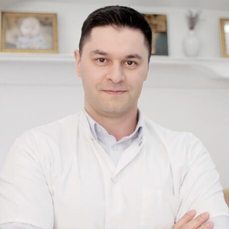 Dr. Cosmin Dusu