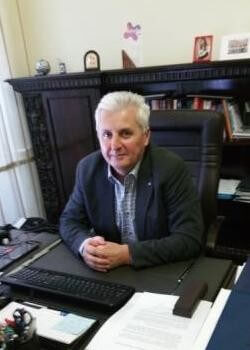 Profesorul universitar Petru Ştefea